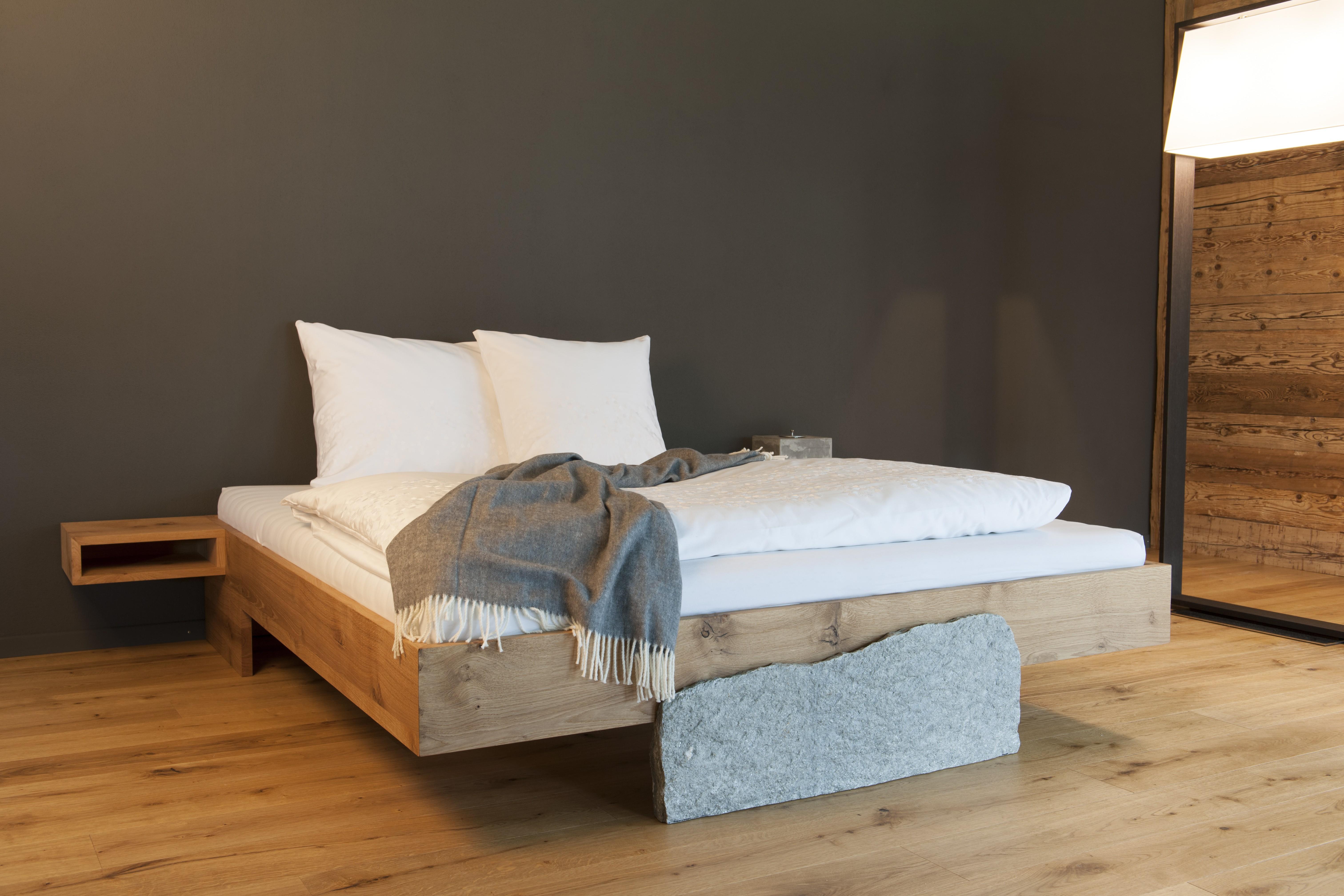 Massivholzbett guarda vitalana nat rlich schlafen und wohnen for Massivholz bett